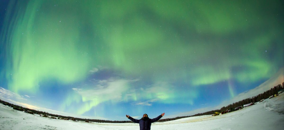 Edmonton_attractions_aurora_man-watching-northern-lights